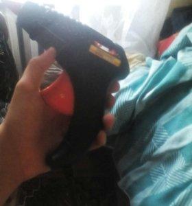 Термоклейный пистолет