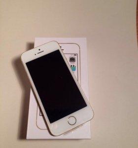 Apple iPhone 5s 16 Гб gold