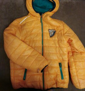 Осенняя куртка на мальчика 152см