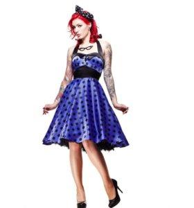 Фиолетовое сатиновое платье в горох от Hell Bunny