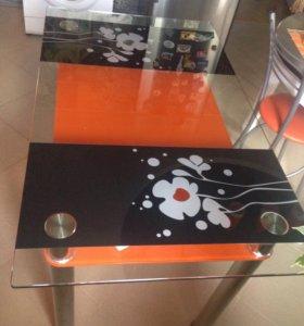 Стол стеклянный кухонный