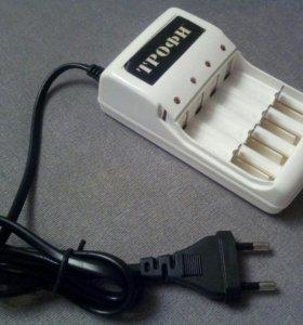 Зарядное устройство для аккумуляторов типа АА/ААА.