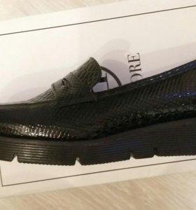 Новые туфли лоферы