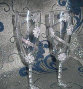 Бокалы для шампанского и вина