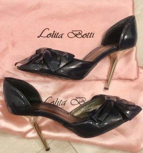 Лаковые туфли Lolita Botti