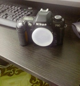 Зеркальная фотокамера Nikon F80