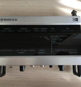 Native Instruments Traktor Audio 8 DJ
