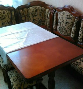 Кухонный уголок+стол+2табуретки