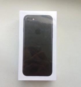 Новый Apple iPhone 7 Black 128Gb.