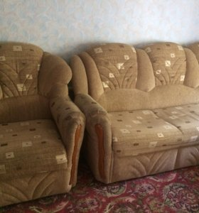 Диван кровать и 2 кресла