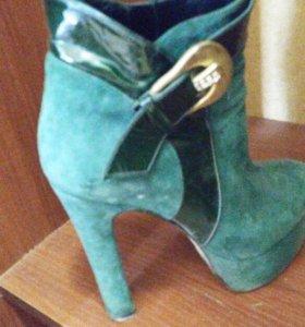 Продам ботинки)