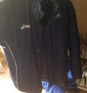 Фирменная куртка Asics