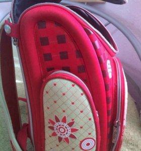 Школьный ранец для девочки