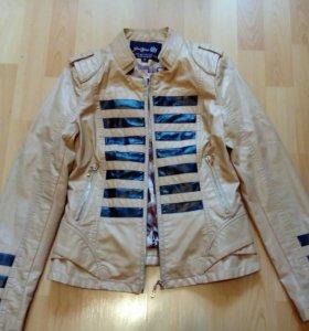 Куртка новая 42p-р