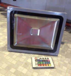 Светодиодный прожектор 30W RGB