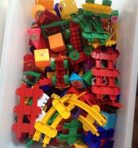 Детский конструктор (с ящиком)
