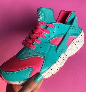 Женские кроссовки Nike Huarache (Хуарачи)