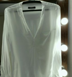 Белая рубашка Mango и нежно-розовая