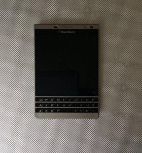 Blackberry Passports Silver Edition