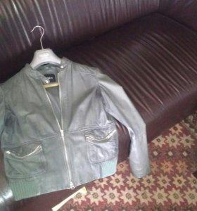 Кожанная куртка Max&co