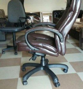 Кресло директорское.