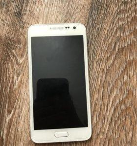 Samsung A3 (2015 год)