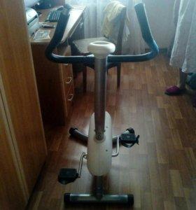Велотренажер. Рабочий