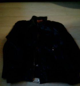 Кожаная куртка . детская.9 10 лет