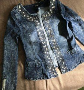 Джинсовая куртка, р-р 42