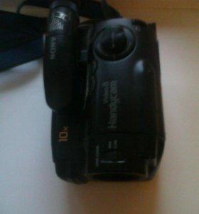 Видеокамера Sony CCD-TR350E