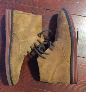 Замшевые ботинки Zara 33р
