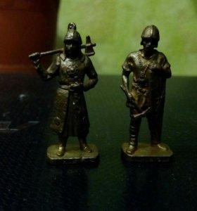 Оловянные солдатики из киндера.