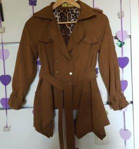 Пальто для девочки, размер 150 см, новое