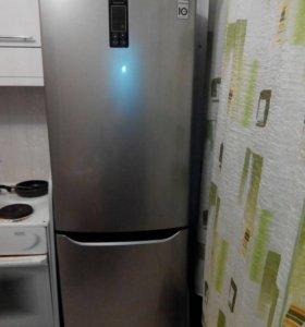 Срочно!Холодильник LG