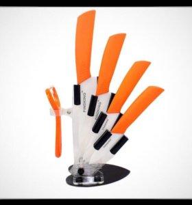 Новый набор ножей с подставкой