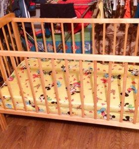 Детская кроватка с матрасом пружины