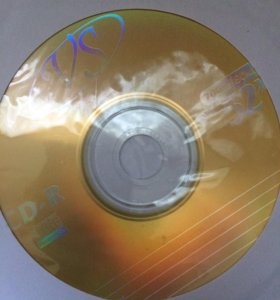 Диски(диски с фильмами и новый,пустой диск)