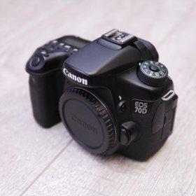 Зеркальный фотоаппарат canon eos 70d . Полный к-т.
