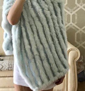 Вязаное пончо с мехом