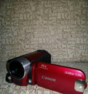 Продам цифровую видеокамеру Canon 306