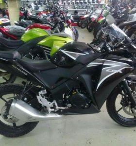 Мотоцикл CBR 250 Motoland