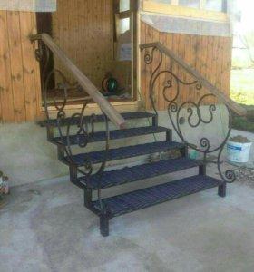 Крыльцо - лестница к дому на металлокаркасе