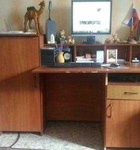 Крмпьютерный стол