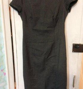 Платье карандаш 48 размера.