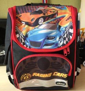 Рюкзак с ортопедической спинкой.