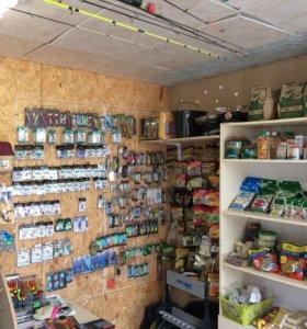 В магазин рыболовных товаров требуется продавец.