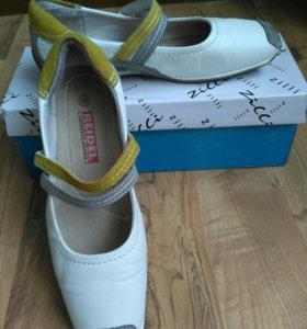 Туфли женские(кожа) 39р-р