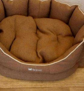 Лежанка для кошек или маленьких собачек