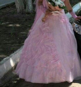 Розовое свадебное платье