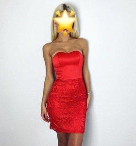 Продаю кружевное платье